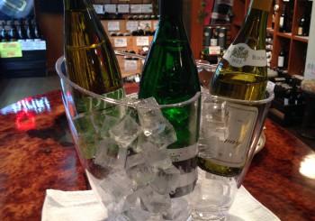 新着ワイン、試飲の紹介